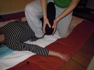 Thai-Yoga-Massage Thaimassage Hüftbehandlung by Birgit Strauch Shiatsu Massage ThetaHealing